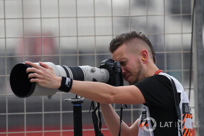 Andy Hone, LAT Photographer