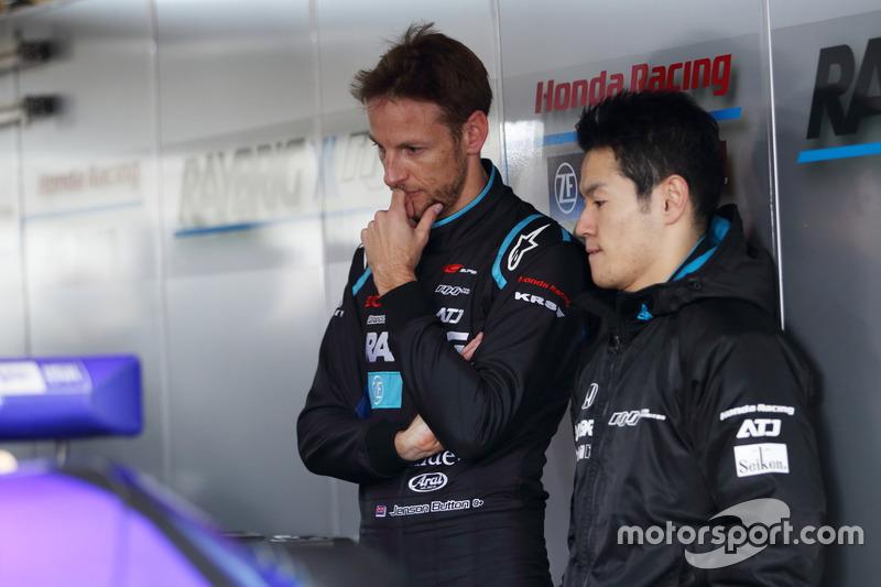 Jenson Button, Naoki Yamamoto