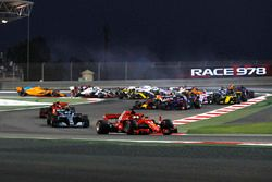 Sebastian Vettel, Ferrari SF-71H mène au départ