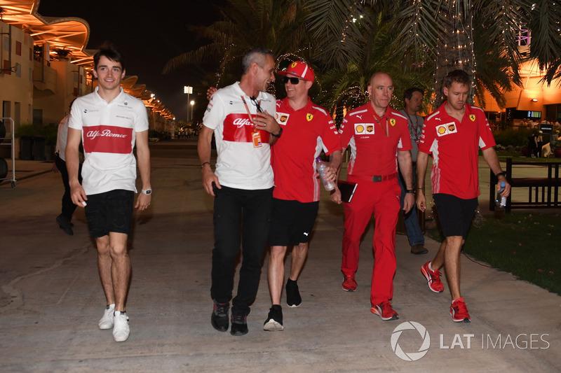 Charles Leclerc, Sauber, Beat Zehnder, Gerente Sauber, Kimi Raikkonen, Ferrari, Jock Clear, Ingeniero Jefe de Ferrari y Sebastian Vettel, Ferrari
