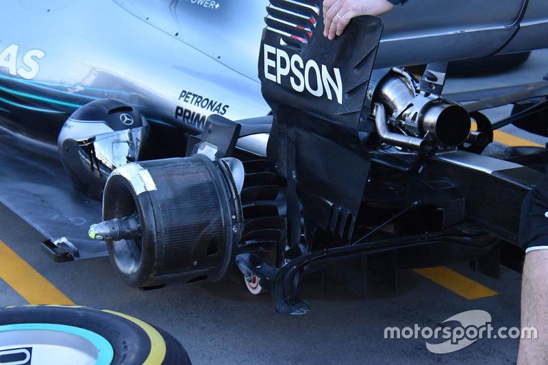 Detalle de la suspensión trasera Mercedes F1 W09