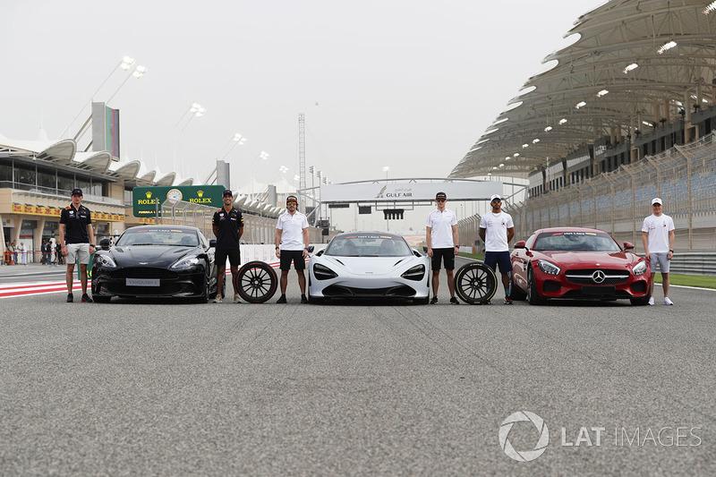 Daniel Ricciardo, Red Bull Racing, con el Aston Martin Vanquish S. Fernando Alonso, McLaren y Stoffel Vandoorne, McLaren, con el McLaren 720s. Lewis Hamilton, Mercedes AMG F1 y Valtteri Bottas, Mercedes AMG F1, con Mercedes AMG GTR