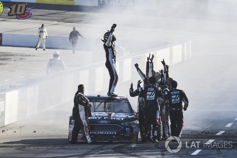 Clint Bowyer, Stewart-Haas Racing, Ford Fusion Haas Automation Demo Day, celebrates after winning at Martinsville.