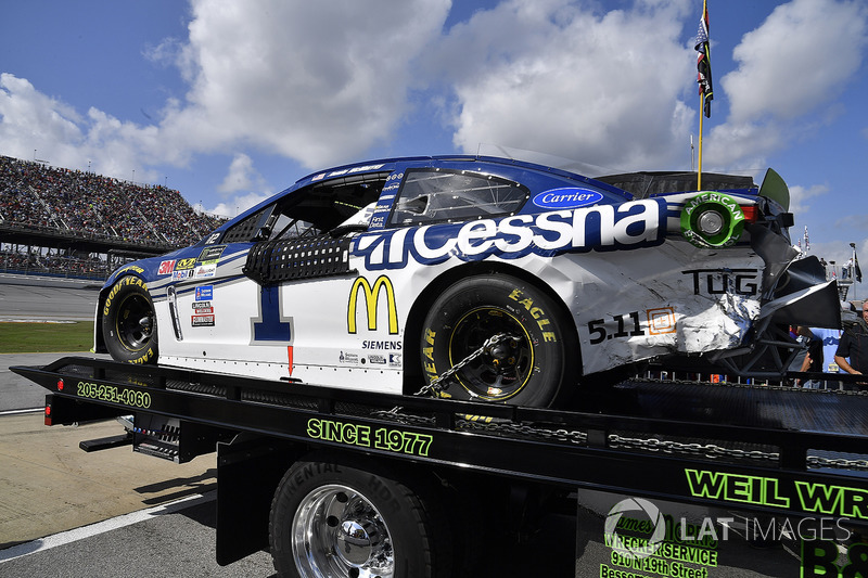 Auto von Jamie McMurray, Chip Ganassi Racing Chevrolet, nach Crash