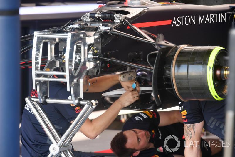 Red Bull Racing RB14 detail van de voorwielophanging