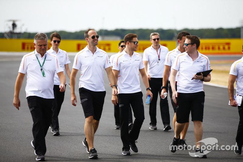 Stoffel Vandoorne, McLaren con el nuevo director deportivo, Gil de Ferran