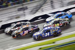 Kevin Harvick, Stewart-Haas Racing Chevrolet, Denny Hamlin, Joe Gibbs Racing Toyota, Chase Elliott,