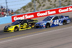 Brad Keselowski, Team Penske Ford and Jimmie Johnson, Hendrick Motorsports Chevrolet