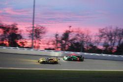 #4 Corvette Racing, Chevrolet Corvette C7.R: Oliver Gavin, Tommy Milner, Marcel Fässler; #2 ESM Raci