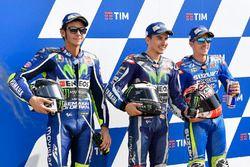 Le poleman Jorge Lorenzo, Yamaha Factory Racing, le deuxième Valentino Rossi, Yamaha Factory Racing, et le troisième Maverick Viñales, Team Suzuki Ecstar MotoGP