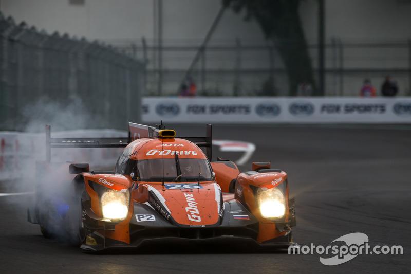 Lock-up for the #26 G-Drive Racing Oreca 05 - Nissan: Roman Rusinov, Alex Brundle, René Rast