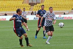 Max Verstappen, Red Bull Racing, hayır kurumlarına destek için yapılan futbol maçında