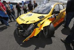 The car of Hugo Valente, LADA Vesta TC1 after the crash