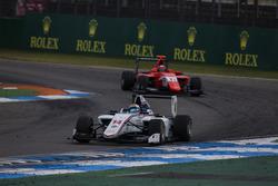 Matthew Parry, Koiranen GP leads Jack Aitken, Arden International