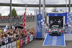 Tweede plaats Jari-Matti Latvala, Miikka Anttila, Volkswagen Polo WRC, Volkswagen Motorsport