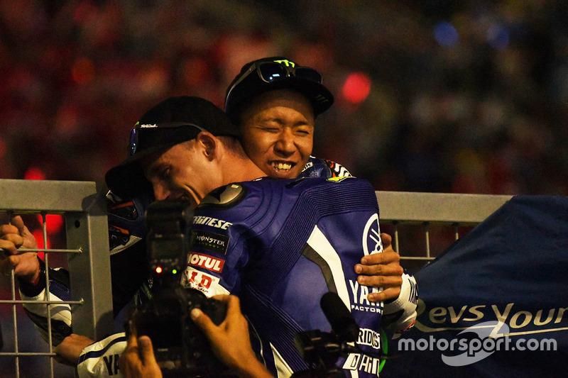 I vincitori #21 Yamaha Factory Racing Team: Katsuyuki Nakasuga, Pol Espargaro