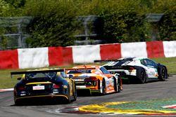 #7 Bentley Team ABT, Bentley Continental GT3: Daniel Abt, Jordan Lee Pepper; #24 kfzteile24 - APR Mo