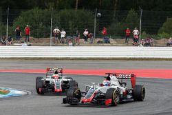 Romain Grosjean en Esteban Gutierrez, Haas F1 Team VF-16