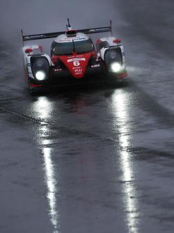 Stephane Sarrazin, Mike Conway, Kamui Kobayashi, #06 Toyota Gazoo Racing Toyota TS050 Hybrid