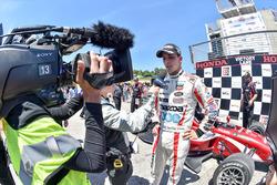 Santiago Urrutia, Schmidt Peterson Motorsports race winner
