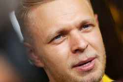 Кевин Магнуссен, Renault Sport F1 Team со СМИ