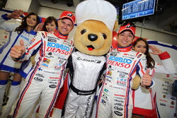Heikki Kovalainen and Kohei Hirate, Team Sard celebrate their second place