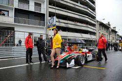 Grid girl, Maximilian Günther, Prema Powerteam Dallara F312 – Mercedes-Benz,