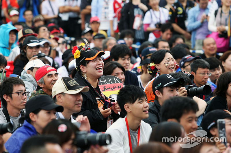 A Nico Hulkenberg, Sahara Force India F1 fan at the fans stage