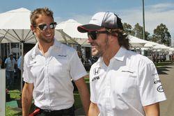 Jenson Button, McLaren avec Fernando Alonso, McLaren