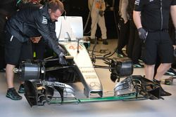 Lewis Hamilton, Mercedes AMG F1 Team W07 ala delantera