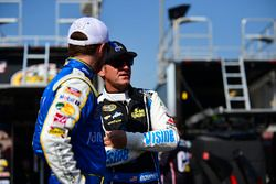 Brian Vickers, Stewart-Haas Racing Chevrolet, Clint Bowyer, HScott Motorsports Chevrolet