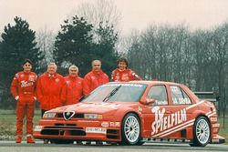 Teampresentatie Alfa Corse TV Spielfilm met Christian Danner en Giancarlo Fisichella