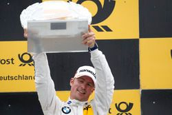 Podio: il terzo classificato Maxime Martin, BMW Team RBM, BMW M4 DTM