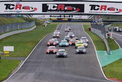 Start: Dusan Borkovic, Seat Leon B3 Racing Ungheria vooraan