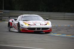 رقم 60 فورمولا ريسينغ فيراري 458 إيطاليا: كريستينا نيلسن، ميكيل ماك، جوني لورسن