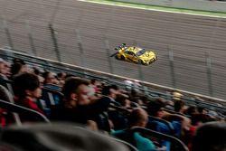 Timo Glock, BMW Team RMG, BMW M4 DTM, spectators