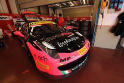 #173 Ineco - MP Racing Ferrari 458: Corinna Gostner