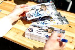 Marco Wittmann, BMW Team RMG, BMW M4 DTM di autograph session