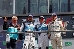 Podium: Winner Jean-Karl Vernay, Leopard Racing, Volkswagen Golf GTI TCR; second place Stefano Comini, Leopard Racing, Volkswagen Golf GTI TCR; third place Antti Buri, Leopard Racing, Volkswagen Golf GTI TCR