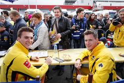 Autogrammstunde: Hugo Valente, LADA Sport Rosneft, Lada Vesta und Nicky Catsburg, LADA Sport Rosneft