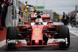 Sebastian Vettel, Ferrari SF16-H entre dans le parc fermé
