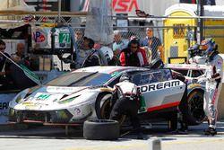 #27 Dream Racing Lamborghini Huracan GT3: Cedric Sbirrazzuoli, Lawrence DeGeorge, Paolo Ruberti, pit