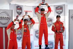 Le podium du championnat: premier Xavier Coupal, second Olivier Bédard, troisième Kevin King, et la recrue de l'année, Stefan Gauthier