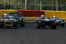 #17 Aston Martin DB3 (1952): Martin Melling, Rob Hall; #33 Cooper-Bristol (1952): Chris Phillips, Ol