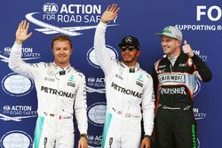 Ganador de la pole Lewis Hamilton, Mercedes AMG F1 Team, segundo lugar Nico Rosberg, Mercedes AMG F1