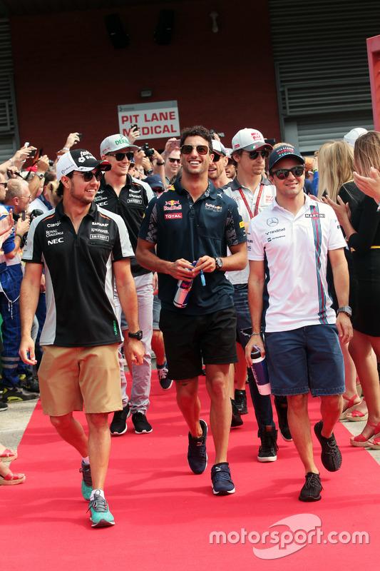 (L to R): Sergio Perez, Sahara Force India F1 with Daniel Ricciardo, Red Bull Racing and Felipe Mass