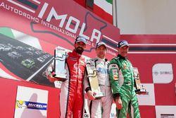 Podio Michelin Cup Gara 1: il vincitore Alex De Giacomi, Dinamic Motorsport, il secondo clasificato Marco Cassarà, Ghinzani Arco Motorsport - Roma, il terzo classificato Stefano Zanini, Dinamic Motorsport - Bologna