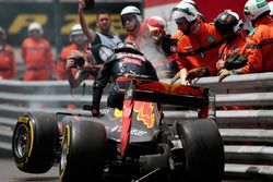 Abandon sur accident pour Max Verstappen, Red Bull Racing RB12