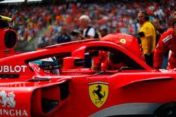 Kimi Raikkonen, Ferrari SF71H, on the grid