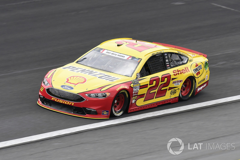 2. Joey Logano, Team Penske, Ford Fusion Shell Pennzoil